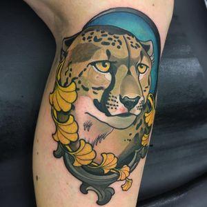 Cheetah tattoo by Lemonsmiff #Lemonsmiff #tattooartist #besttattoos #awesometattoos #tattoosformen #tattoosforwomen #tattooidea #neotraditional #cheetah #cat #junglecat #leaves