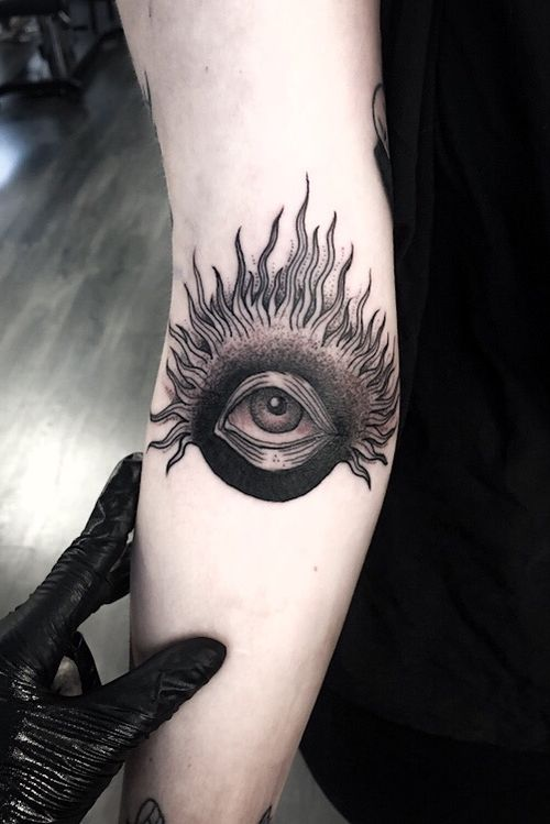 Eye in elbow ditch 👁 #blackwork #eye #darkart #occult