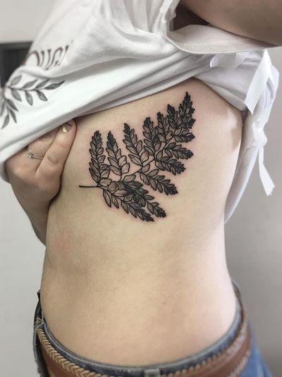 By K'Drozd Tattoo #tattooartist #besttattoos #awesometattoos #tattoosforwomen #tattoosformen #tattooidea #ignoranttattoo #smalltattoo #minimaltattoo #fineline #fern #flower #floral #dotwork