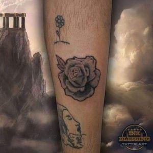 Rose Black and Grey #blackandgrey #tattoo #rose #rosa #tatuagem #realism #realismopretoecinza