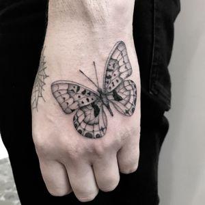 #totemica #tunguska #black #butterfly #entomology #fineline #hand #tattoo #adrenalinktattooing #marghera #venezia #italy #blackclaw #blacktattooart #tattoolifemagazine #tattoodo #blackworkers