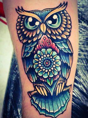 #geometrictattoo #owl #blue #fun #beautiful #bright #pearls #pearl #linework #tattoodo #followme #follow #tattooartist