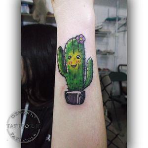 Here, a lil' and cute cactus ✌😜 #cactus #cactustattoo #stickerTattoo #cuteTattoo