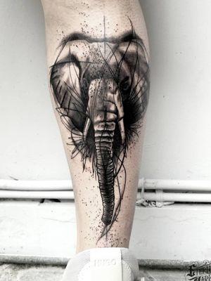 #blackandgreytattoo #elephant #elephanttattoo #sketchyelephant #sketchytattoo #splashes #abstractelephant #abstracttattoo