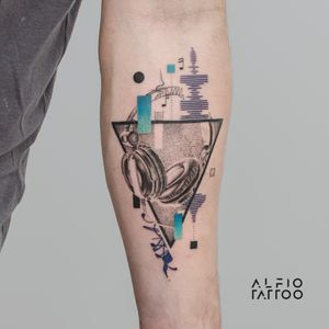 Design y tattoo by Alfio. Buenos Aires - Argentina / alfiotattoo@gmail.com / #music  #blackandgrey #geometrictattoos #realistic  #art #tattoodesign #alfiotattoo #composition #tattoocolor #finelinetattoo #tattoo #tattooart #tattooartist #dotwork