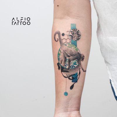Design y tattoo by Alfio. Buenos Aires - Argentina / alfiotattoo@gmail.com / #animaltattoo #animales #monkey #geometric #art #tattoodesign #alfiotattoo #composition #tattoocolor #dotwork #realismo