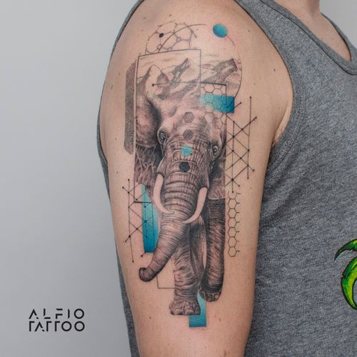 Design y tattoo by Alfio. Buenos Aires - Argentina / alfiotattoo@gmail.com / #elephant #elephantlove #elephantart #fineline #art #tattoodesign #alfiotattoo #composition #tattoocolor #finelinetattoo #geometrictattoos #animaltattoo #tattoo #tattooart #tattooartist