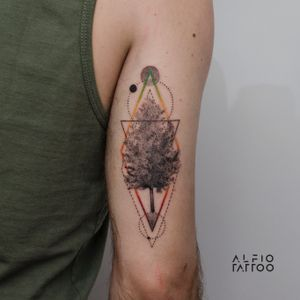 Design y tattoo by Alfio. Buenos Aires - Argentina / alfiotattoo@gmail.com / #tree  #treetattoo #geometrictattoos #fineline #art #tattoodesign #alfiotattoo #composition #tattoocolor #finelinetattoo #tattoo #tattooart #tattooartist #dotwork