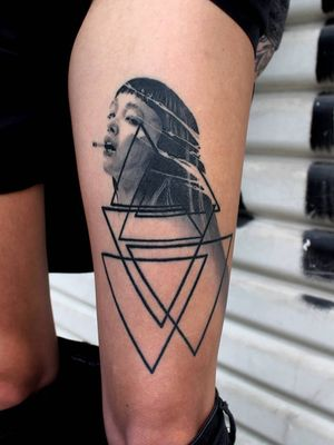 #blackandgrey #realistic #black #geometric #geometry #portrait #asiangirl #smoking #cigarette #face #abstract #healed