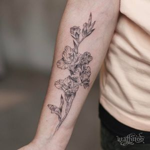 Birth month flower tattoo by Graffitto #Graffittoo #gladiolus #birthmonthflowertattoos #birthmonthflowers #flowertattoo #flowers #florals #petals #blooms #leaves #nature #plant #birthmonth