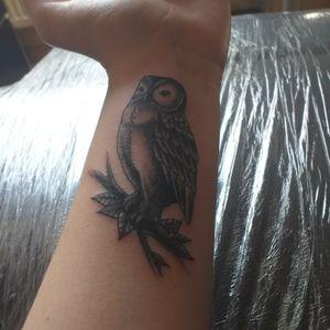 L'insta de mon tatoueur @cursed_hand Très talentueux Son style plutôt old school