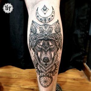 Criações, orçamento ou agendamento whatsapp 👉 15 98809-9967  #buenotattoos #oldfriendstattooshop #oldfriendsteam #tattoosorocaba #sorocaba #tattoo #finelinetattoo #t4ttoois #neotrad #sketchtattoo #blackworktattoo #lobo #lobotattoo #wolf