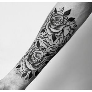 #roses #rosestattoo #letteringtattoo #lettering #chicano #watchtattoo