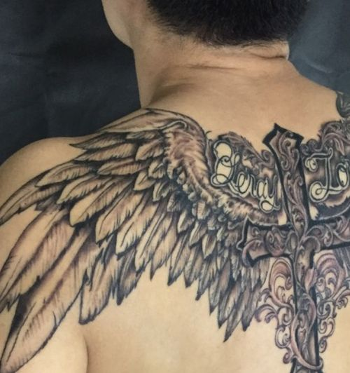 Angel and devil wings tattoo done!! Thanks client for the trust and sit like a rock!! Let me really focus to get my art done. Interested to get some cool tattoo? Email: kingston_3@yahoo.com  @kingstonart or dm for tattoo consultation #angel #flash #tattooflash #tattoofollow #art #font #tbt #victoria #instatattoo #angelwings #singaporeart #tattoo #instaart #flashaddicted #instaartist #demontattoo #tattooartist  #worldofartists #backpiece #demontattoo #blackworktattoo #tattoosketch #conceptual  #ink #singaporetattoo #sgtattoo  #wingtattoo #follow4follow #like4like #blackandwhite #tattoostyle