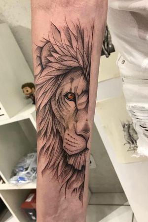 Lion #black #lion #linework