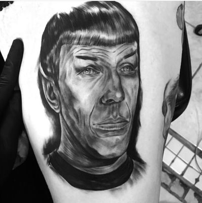 For someone so cold and logical Spock was warm & loving 🖤🖖🏽 glad I got to do this portait of this majestic beast 🖖🏽 • • • • #game #gamer #games #videogames # gamergirl #gta5 #gta #greenwoman #playstation #xbox #logic #youtube #dope #meme #cosplay #spock #ironbloodtattoos #startrek #nerd #geek # nintendo