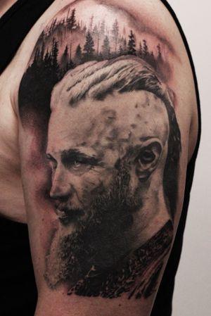 #art #artist #tattoo #tattooer #tattooist #tattooartist #tattoos #tatts #portrait #portraittattoo #blackandgreytattoo #blackandgraytattoo #bng #bngtattoo #bngtattoos #vikings #viking #ragnarlothbrok #wakefield #wakefieldtattoo #mirfinandmullaneytattoocollective