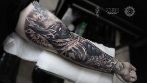 """Anubis"" closer look on details For consultations and bookings DM or email: saint.wandal@gmail.com @yayofamilia Pro Team Artist Done using @fusion_ink , @fkirons , @cheyenne_tattooequipment , @piranhatattoosupplies , @barberdtssupplies & @killerinktattoo #radtattoos #killerink #londontatt  #superbtattoos #tattoorealistic #inkig #tattoosnob #tattooworld #wandaltattoo #tattooeurope #inkjunkeyz #anubis #anubistattoo #crazytattoos #london #londontattooist #egyptiantattoo #killerink #yayofamilia #blackandgray #русскийлондон #татуировка #тату #лондон"