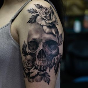 #skulltattoo #tattoorealism #realistictattoo #blackandgreyallday #blackngrey #bnw #blackink #blacktattoo #blackwork #skinart #skinandink #inked #realistic #realismo #realstictattoos
