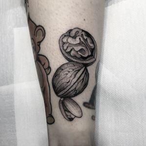 #totemica #tunguska #black #nuts #walnuts #pistachio #fineline #tattoo #adrenalinktattooing #marghera #venezia #italy #blackclaw #blacktattooart #tattoolifemagazine #tattoodo #blackworkers