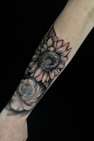 Black and grey sunflower, sunflower tattoo, realism, bng, flowers, sunflower