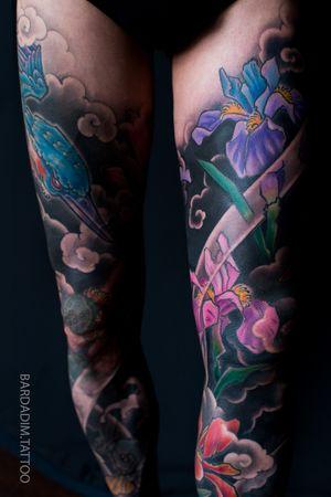 Japanese tattoo. Leg sleeves. #japanesetattoo #japaneseink #inked #japanesesleeve #koitattoo #koisleeve #asiantattoo #irezumi #wabori #traditionaltattoo #irezumicollective #magicmoonneedles #fitnessmotivation #fitness #tattoovideo #nyctattoo #tattoovideos #ttt #wtt #tttism #tattoo #tattooartist #tattooideas #blackandgreytattoo #colortattoo #tattoodo #tat
