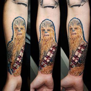 Chewbacca tattoo by Amy Edwards #AmyEdwards #chewbaccatattoo #chewbacca #starwars #movietattoos #petermayhew #georgelucas #scifi