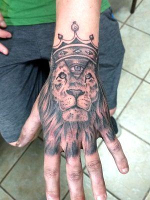 #liontattoo #allseeingeye #handtattoo