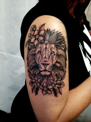 #lion #blackwork #lines #linesanddots #dallastattoo #mckinney #THETATTOOREVEREND
