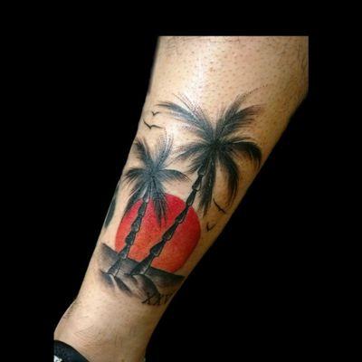 Uno peqeñin de recien.. #tattoo #inked #ink #beach #atardecer #playa #palmeras #sol #color #black #luchotattoo #luchotattooer