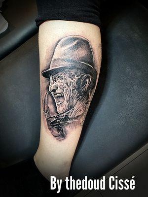 Debut de jambe complète theme monster horror , on vas bien s'amuser le kiff total merci Hélène Antiome-Hubert pour se projet rdv prochaine session 👍🏿👍🏿👍🏿. By Thedoud Cissé @prilaga #tattooink #tattoooftheday #tattooideas #prilaga #tattoodo #tattoosleeve #tattoos #tattoomodel #tattooart #tattoolove #tattooartist #tattoostyle #tattoo #tattoosofinstagram #tattooer #tattoolife #tattooed #tattoodesign #tattooist #tattooflash #tattoo2me #tattoostudio #tattooing#freddykrueger