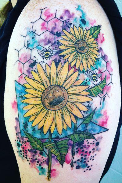 Custom designed sunflowers and bees! #abstracttattoo #watercolortattoo #sunflowertattoo #trashpolka #eternalinks #staugustinetattooartist #floridatattooartist