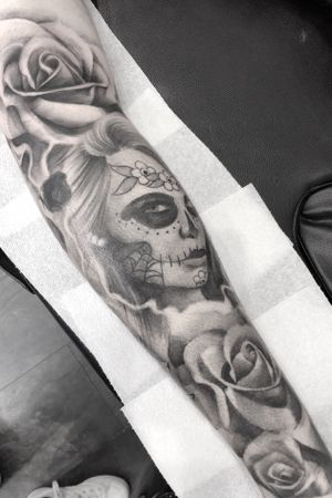 Rose was added behind the knee