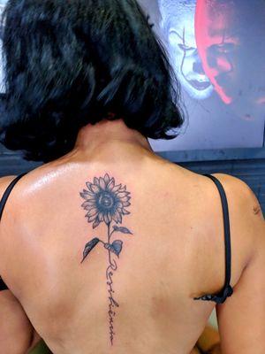 Tattoo da Raiane #tattoo #girasol #tattooflower #blackworktattoo
