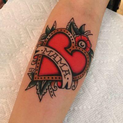 Mom tattoo by Chris Fernandez #ChrisFernandez #momtattoo #momtattoos #mom #mother #mum #mommy #happymothersday #mothersday #love #family #traditional #banner #heart #flower