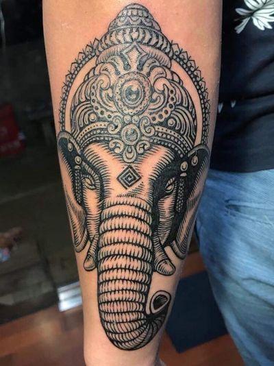 Ganesha Mandala - Kamikaze Tattoo Studios #kamikazetattoostudio #balitattoo #balitattoos #balitattooshop #balitattoostudio #balitattooartist #canggu #canggustudio #canggutattoo #worldfamousink #customtattoo #customdesign #blacklines # linework #dotwork #ganesha #ganeshatattoo #mandala #manadalatattoos