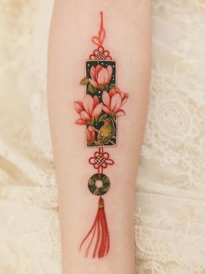 Ornamental tattoo by Sion #Sion #TattooistSion #ornamentaltattoos #ornamental #ornaments #jewels #decorative #jewelry #adorn #gems #crystals #diamonds #pearls #floral #norigae #knot #bird #flower