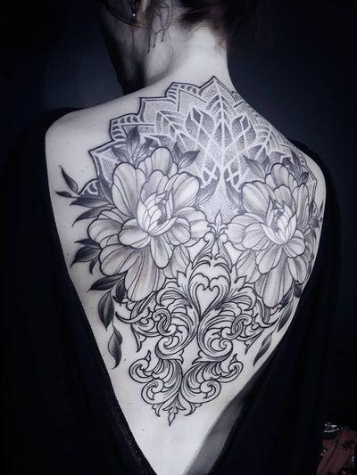 Ornamental tattoo by Miss Voodoo #MissVoodoo #ornamentaltattoos #ornamental #ornaments #jewels #decorative #jewelry #adorn #flower #floral #filigree #mandala #dotwork