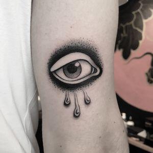 #totemica #tunguska #black #eye #tears #walkin #tattoo #originalsintattooshop #verona #italy #blackclaw #blacktattooart #tattoolifemagazine #tattoodo #blackworkers