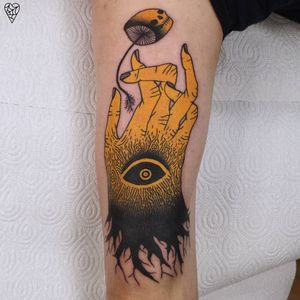 Psychedelic dark art tattoo by Łukasz Sokołowski #LukaszSokolowski #psychedelic #darkart #illustrative #strange #surreal #surrealism #trippy #dark #horror #eye #mushroom