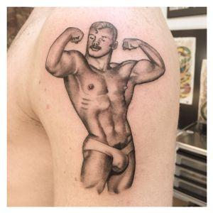 #tomoffinland #queertattoo #pinupboy #amsterdam #amsterdamtattoo #amsterdamtattooer #blackandgrey #realistictattoo #muscle #boy