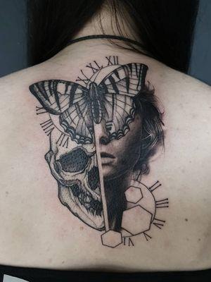 Had fun with this one. Thanks 🤙 email for bookings; antbatetattoos@gmail.com Sponsored by @tattooeverythingsupplies #uktta #crownofthorns #silverbackink #silverbackinkinstablack #fkirons #sullenartcollective #chester #tattoo #tattoos #tattooed #tattooartist #tattoostudio #wheretheytatt #antbatetattoos #a_drop_of_black #blackwork #blackworkerssubmission #blackworkers #blacktattooart #chaoticblackworkers #darkartists #btattooing #blxckink #theblackmasters #onlythedarkest #blacktattoomag #tattooeverythingelite #tattooeverythingsupplies #elite25 #thedarkestwork