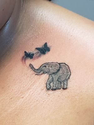 small tattoos with much detail #etheartist #yeswork #tattoos #smalltattoos #elephanttattoo #empireink #hivecaps