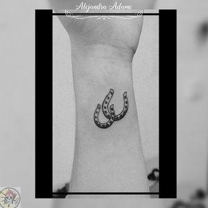 For a horse lover... 🐎💖🐴💗🐎💖🐴💗🐎💖🐴💗 #tattoo #tatuaje #tatouage #horseshoetattoo #tatuajeherradura #tatouageferacheval #tatouagedeferacheval #horseshoe #herradura #feracheval #tattoodo #tattoolover #tattoolovers #ferneyvoltaire #tattooferneyvoltaire