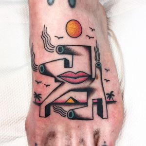 Cool tattoo by Lee Knight #LeeKnight #cooltattoos #cooltattoo #besttattoos #unique #special #surreal #strange #awesome #cool #cubism #abstract #ladyhead