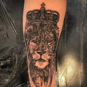 Lion Tattoo - Black and Grey