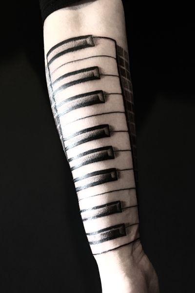 #blackandgrey #piano #forearm