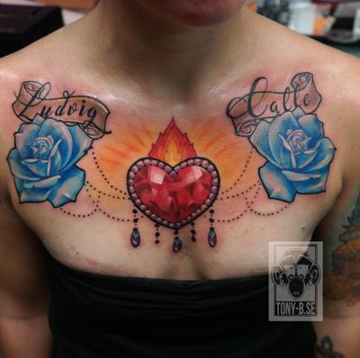 A cheastpiece with the childrens names #tattoo #dimond #rose #tatuering #dimonds #roses #tattoos #ink #follow #flowers #tattooartist #love #tattooed #tatueringar #dimondrings #rosegold #tattooart #dimondring #rosen #art #dimondcollection #rosewood #inked #microblading #fashion #rosemary #tattooing #h #dimondsintherough #rosette
