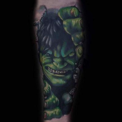 Hulk Smash ! #MarvelTattoos #hulk #flagshiptattoogallery #ralphroyals
