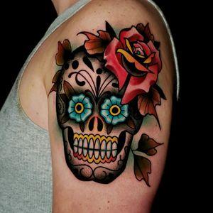 Sugar Skull Tattoo . . . . #tattoo #tattoos #tattooartists #tattooartist #dfw #dallas #denton #lewisville #neotraditionaltattooers #neotraditionaltattoo #rebelmusetattoo #benamostattoos #dallastattooartist #flowermound #roses #rosetattoo #colortattoo #sugarskull #sugarskulltattoo